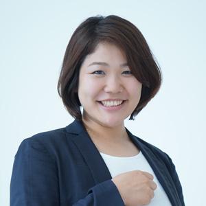 新倉朋美さん